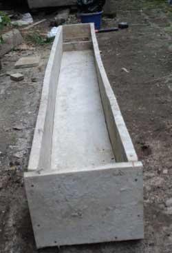 bak-hidroponik-dari-papan-kayu