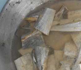 ikan-asin-direndam-air-garam