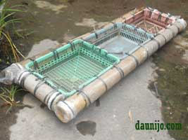 kerangka-rakit-apung-bambu-akuaponik
