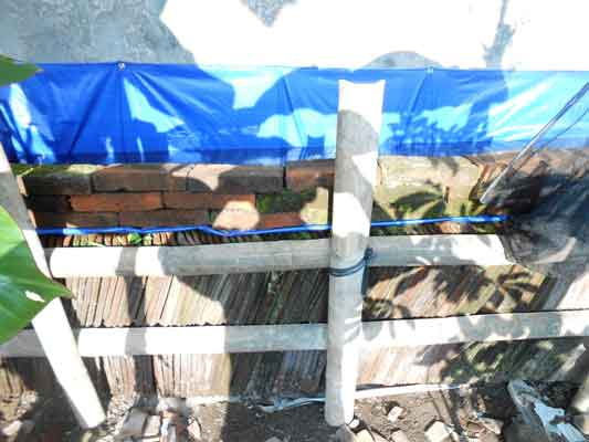 kolam-terpal-genteng-bambu