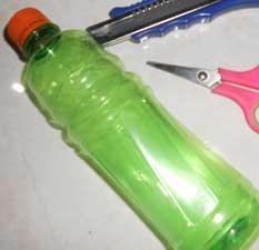 membuat-hiasan-kap-lampu-botol-bekas