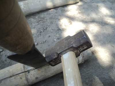 membuka-batang-bambu