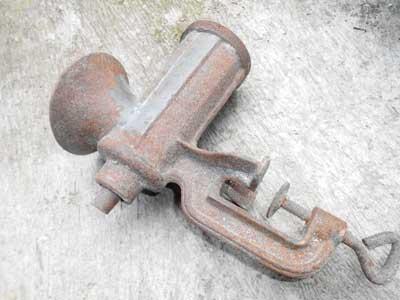 mesin-giling-singkong-daging-tangan-kuno