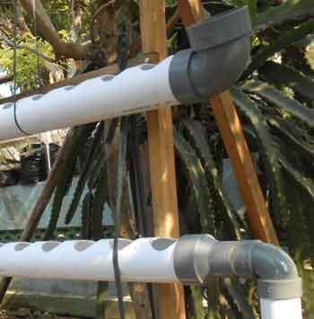 pemasangan-pipa-nft-hidroponik